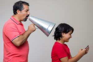 Nos w telefonie – jak pomóc swojemu dziecku ze Smartwicą?